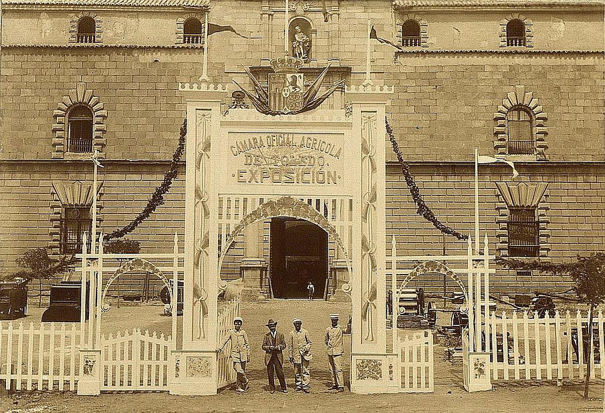 https://www.toledo.es/wp-content/uploads/2018/03/01-entrada-principal-a-la-exposicion-1-1200x820.jpg. La exposición agrícola de Toledo de agosto de 1909