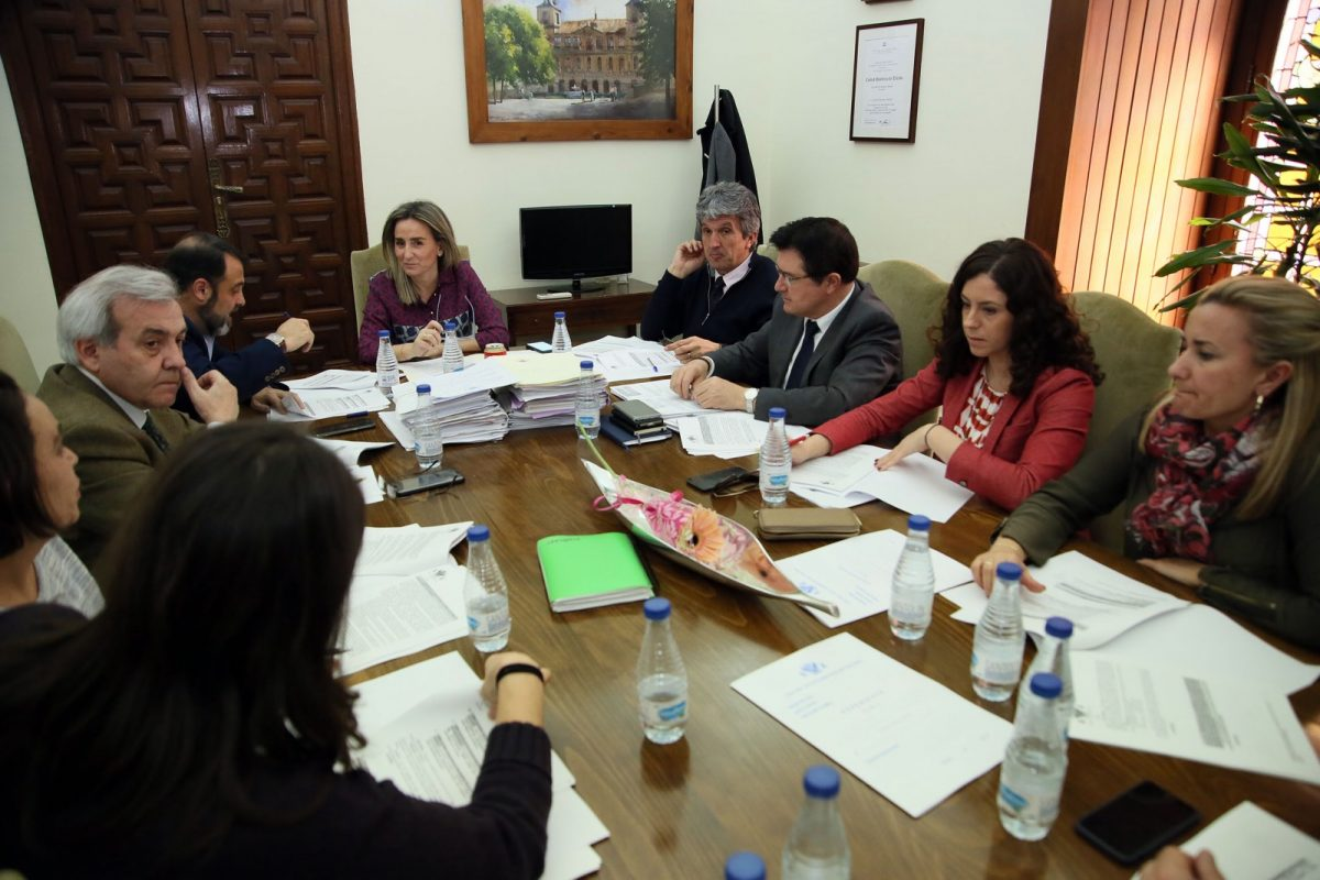 http://www.toledo.es/wp-content/uploads/2018/03/01_junta_gobierno-1200x800.jpg. El Ayuntamiento pondrá en marcha la Escuela Toledana por la Igualdad