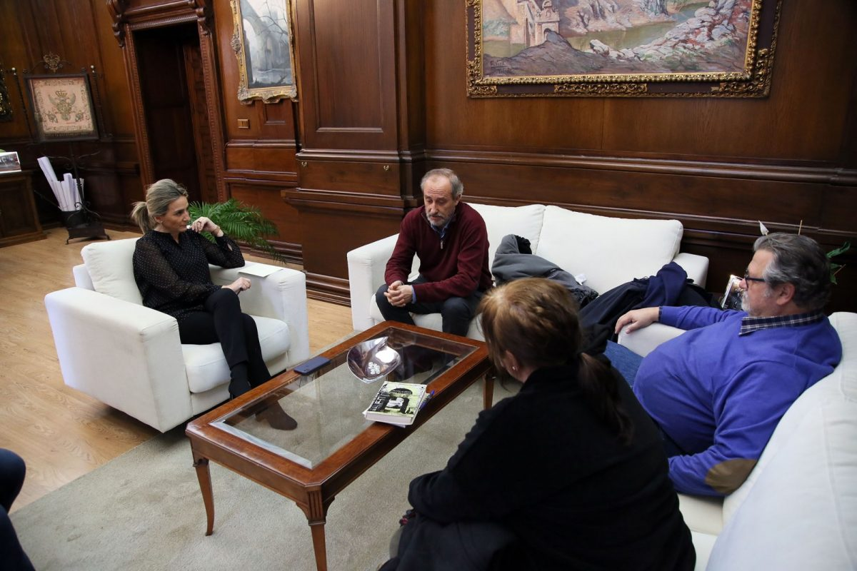 La alcaldesa muestra su apoyo y colaboración al trabajo que desarrolla la asociación cultural 'Tulaytula'