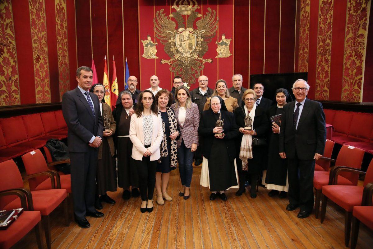Milagros Tolón invita a descubrir el patrimonio conventual en una Semana Santa que crece y evoluciona gracias al trabajo colectivo