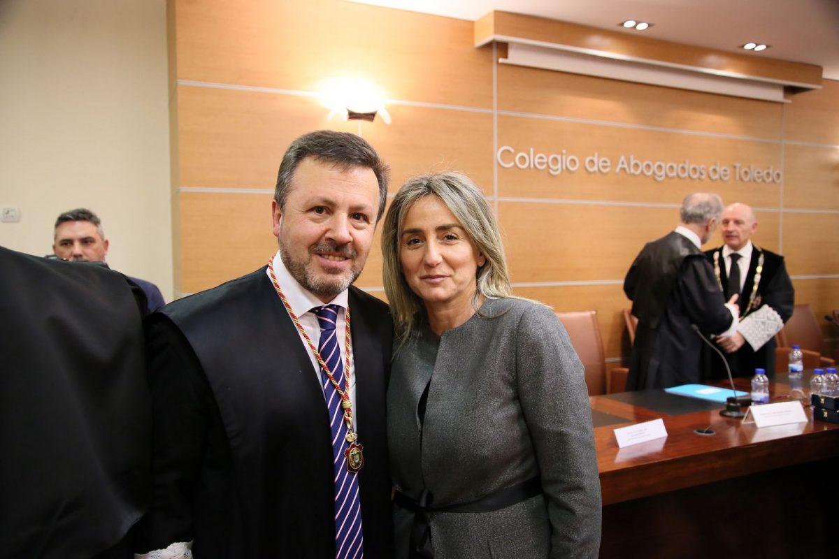 Milagros Tolón asiste a la toma de posesión del nuevo decano del Colegio de Abogados de Toledo