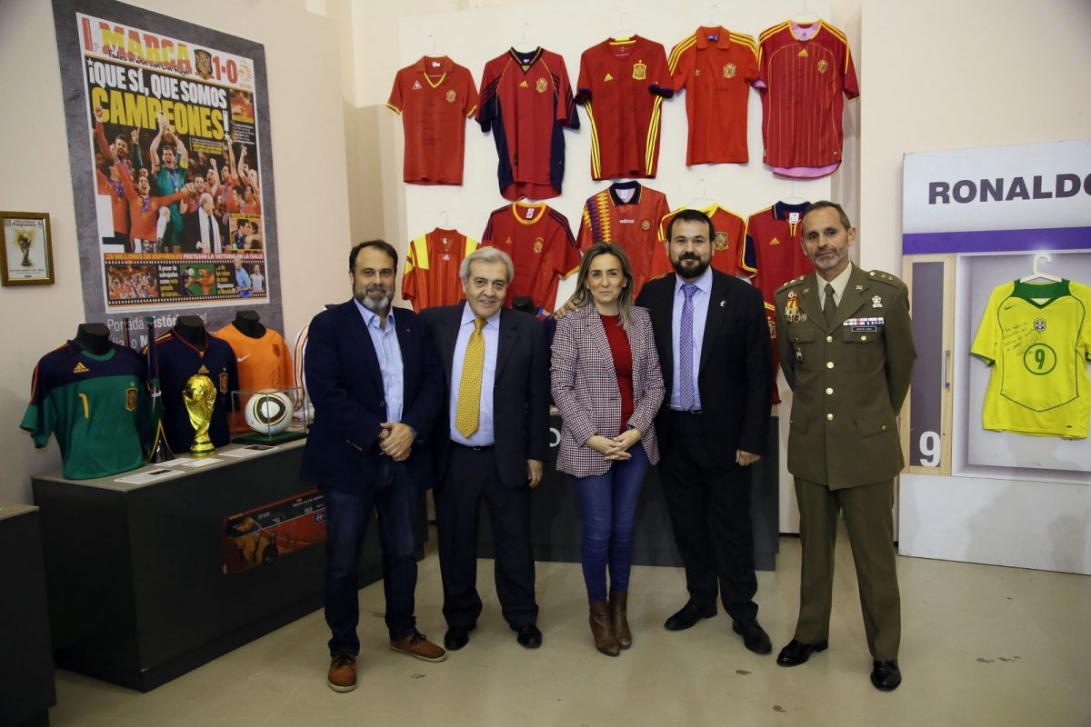 """Inaugurada la exposición """"Leyendas del Deporte"""""""