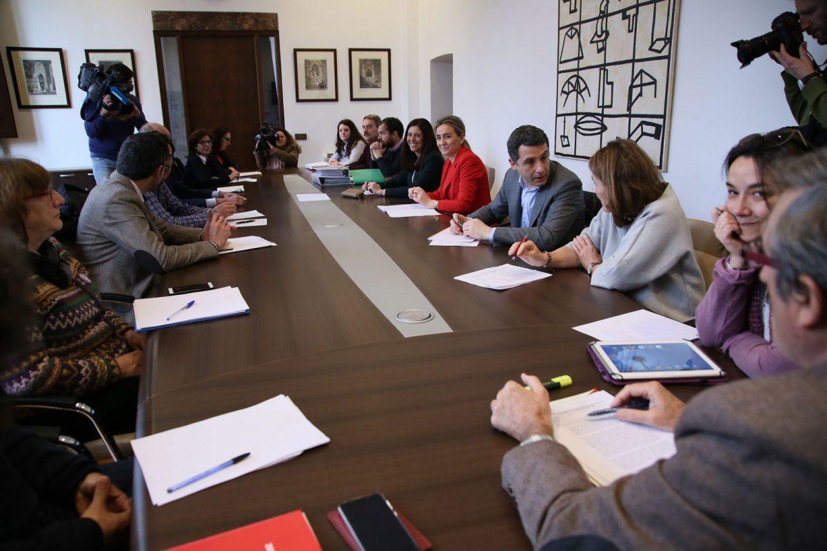 https://www.toledo.es/wp-content/uploads/2018/03/09_pacto_tajo-1200x800.jpg. El Consejo del Pacto de la Ciudad de Toledo por el Tajo rechaza un nuevo trasvase al no darse las condiciones para su autorización