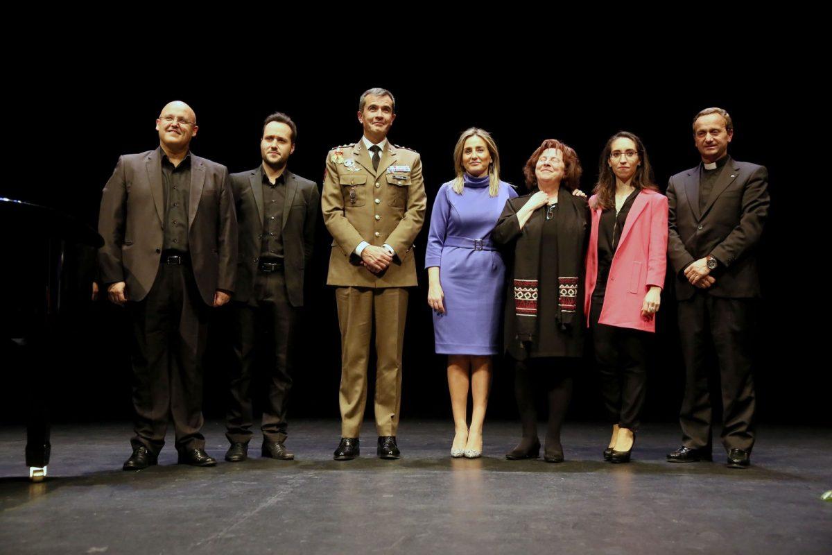 La alcaldesa asiste al pregón de Francisco Javier Marcos Izquierdo que da inicio oficial a los actos de la Semana Santa de Toledo