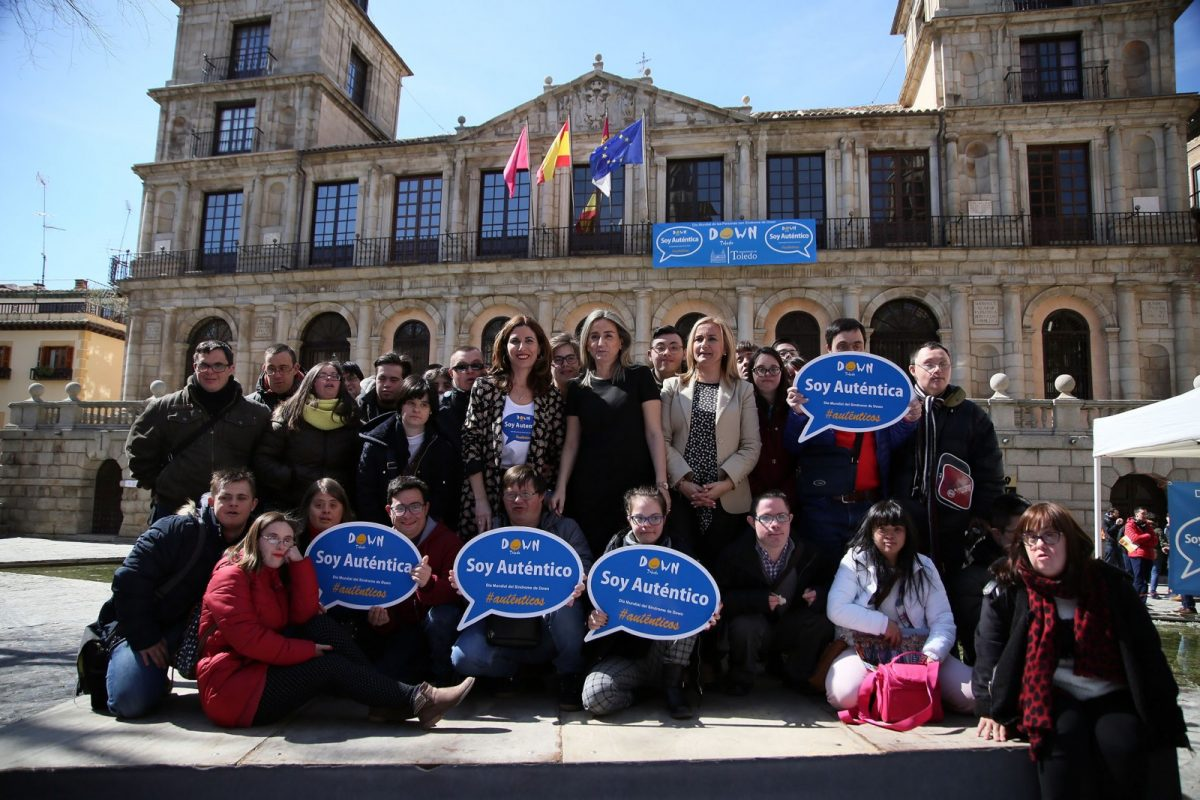 La Corporación municipal celebra el Día Mundial del Síndrome de Down y destaca su ejemplo para alcanzar una sociedad más justa