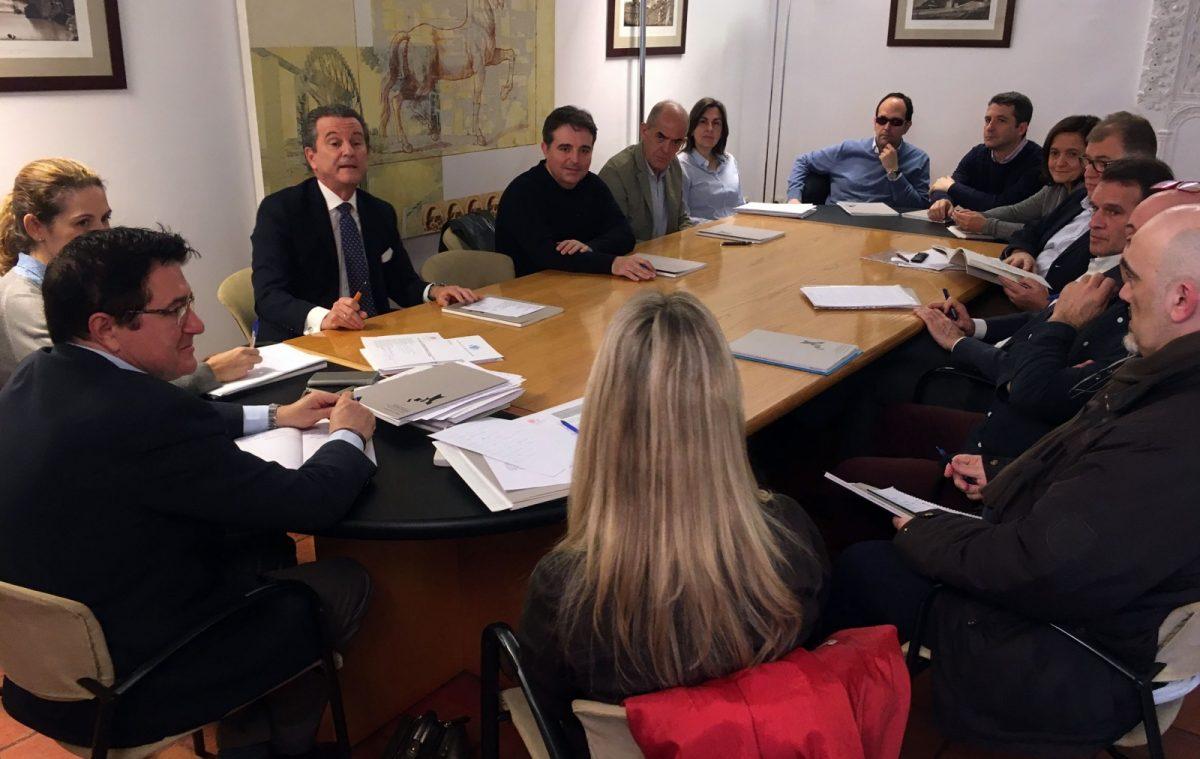 Constituida en el Ayuntamiento la comisión de seguimiento de la Ordenanza de Publicidad y Rotulación