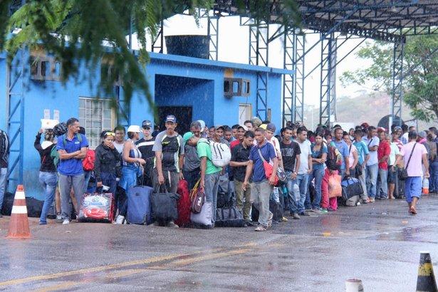 ACNUR presenta nuevas directrices de protección, ante la huida de venezolanos por América Latina