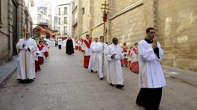 http://www.toledo.es/wp-content/uploads/2018/03/domingo-de-ramos.png. Domingo de Ramos. Procesión de Palmas y Ramos de la Santa Iglesia Catedral Primada