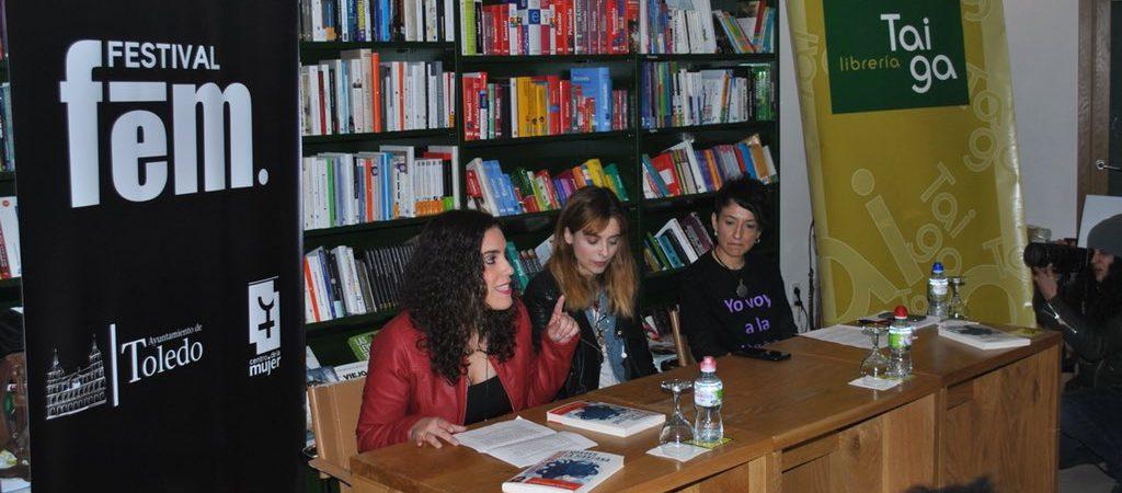 El Festival Fem18 llena la librería Taiga…