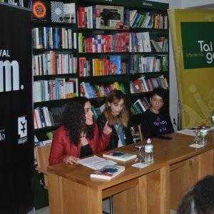l Festival Fem18 llena la librería Taiga con la presentación del libro 'Morder la Manzana' de Leticia Dolera