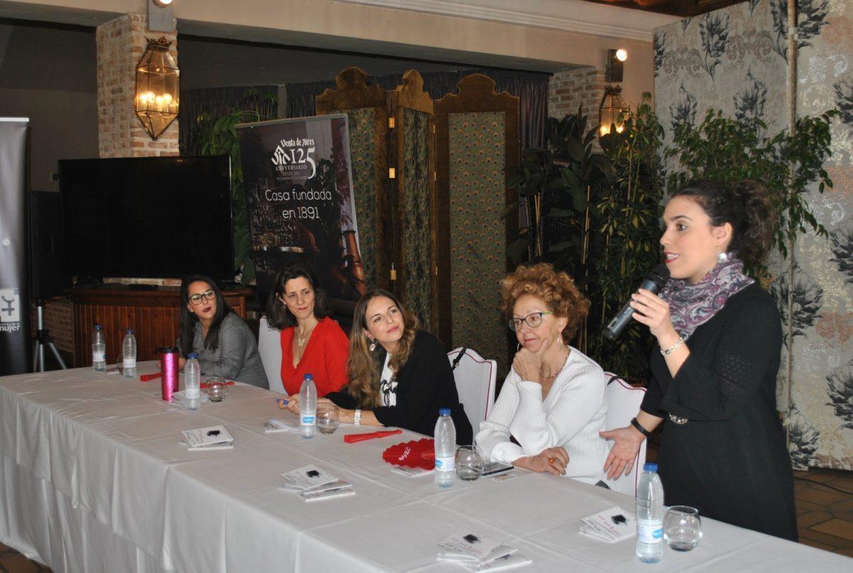 Arranca el Festival Fem18 con la mesa redonda 'Mujeres del siglo XXI y trayectorias profesionales' con gran éxito de público