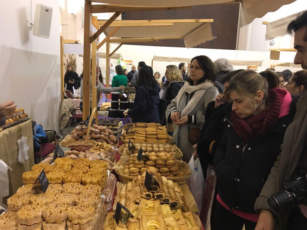 Más de 350 personas participan este fin de semana en los talleres de repostería de la III Feria del Dulce celebrada en San Marcos