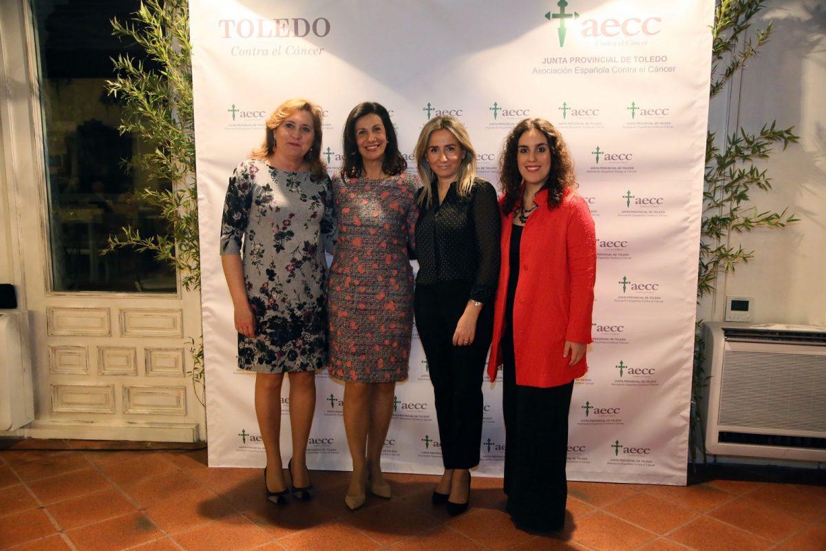 La alcaldesa de Toledo asiste a la cena benéfica de la AECC para la recaudación de fondos para la investigación
