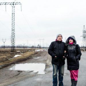 a vida es una batalla diaria para las familias atrapadas en la zona de conflicto en Ucrania