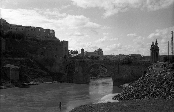 05 - PILLADO - Vista del puente de Alcántara y del río Tajo