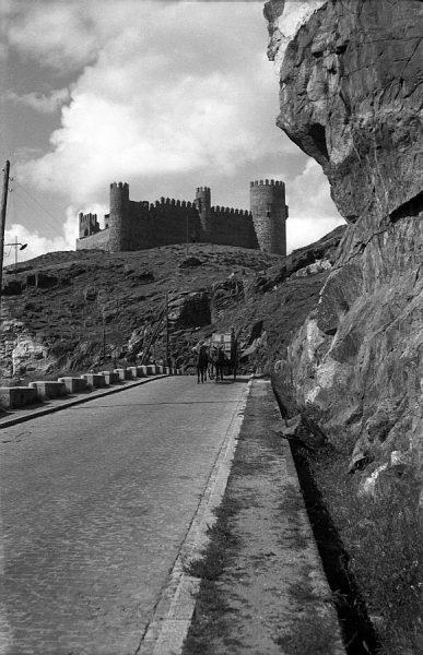 08 - PILLADO - Vista del castillo de San Servando desde la carretera del Valle