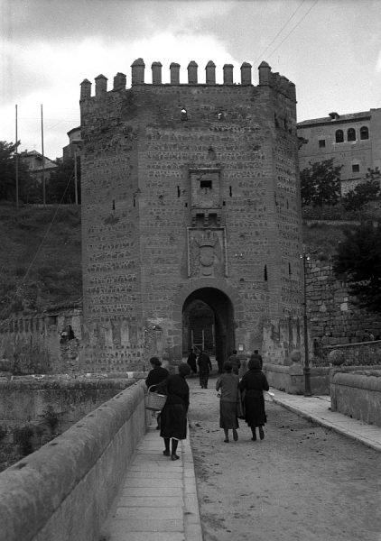 10 - PILLADO - Torreón del puente de Alcántara