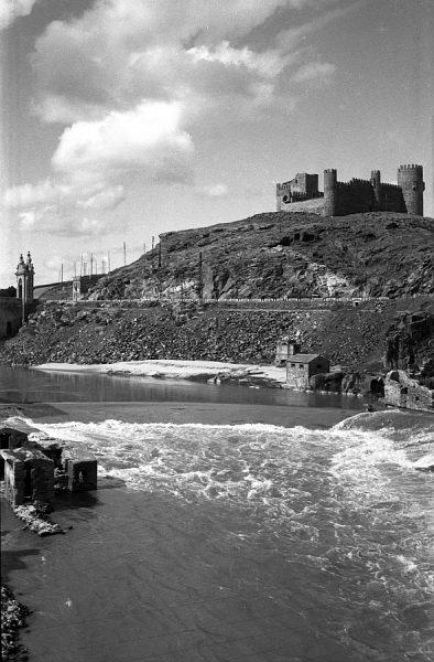 14 - PILLADO - Vista del castillo de San Servando desde la subida de Doce Cantos