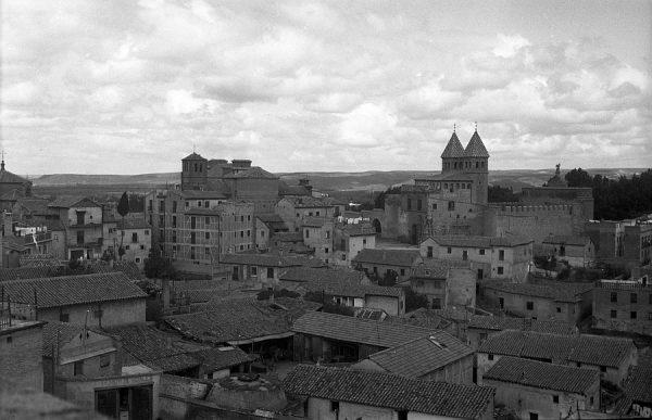 17 - PILLADO - Vista de la puerta de Bisagra desde El Miradero