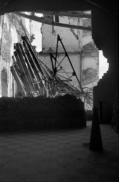 21 - PILLADO - Interior del Alcázar en ruinas