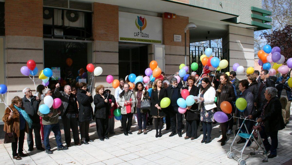 El Ayuntamiento apoya a la Asociación de Párkinson de Toledo que pide en su Día Mundial que no cese la investigación