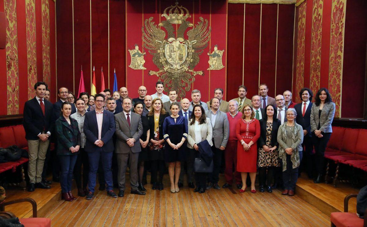 http://www.toledo.es/wp-content/uploads/2018/04/milagros-tolon_turismo-seguro-1200x743.jpeg. La alcaldesa recibe a la delegación de las Ciudades Patrimonio de la Humanidad que participa en el seminario 'Turismo Seguro'