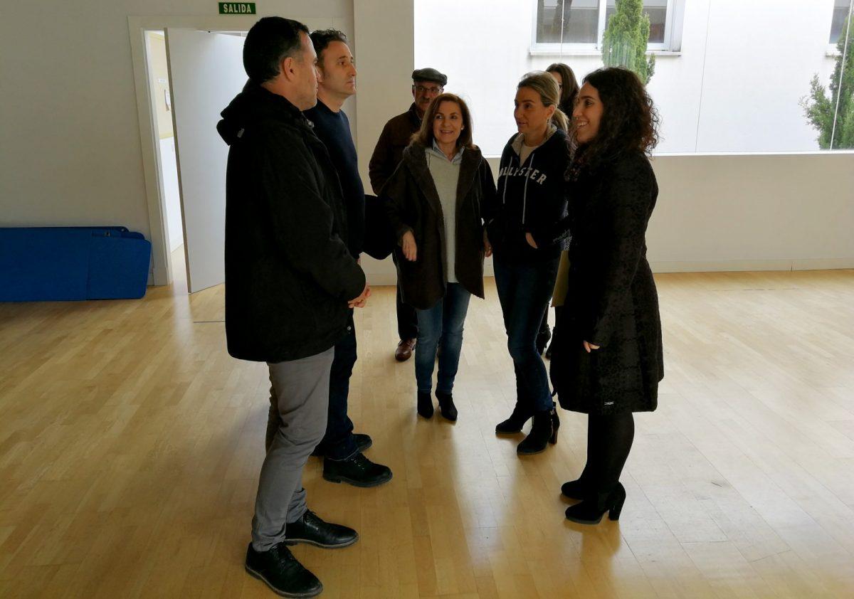 Milagros Tolón visita el barrio de Valparaíso para conocer las mejoras realizadas en el Centro Cívico y nuevas sugerencias vecinales
