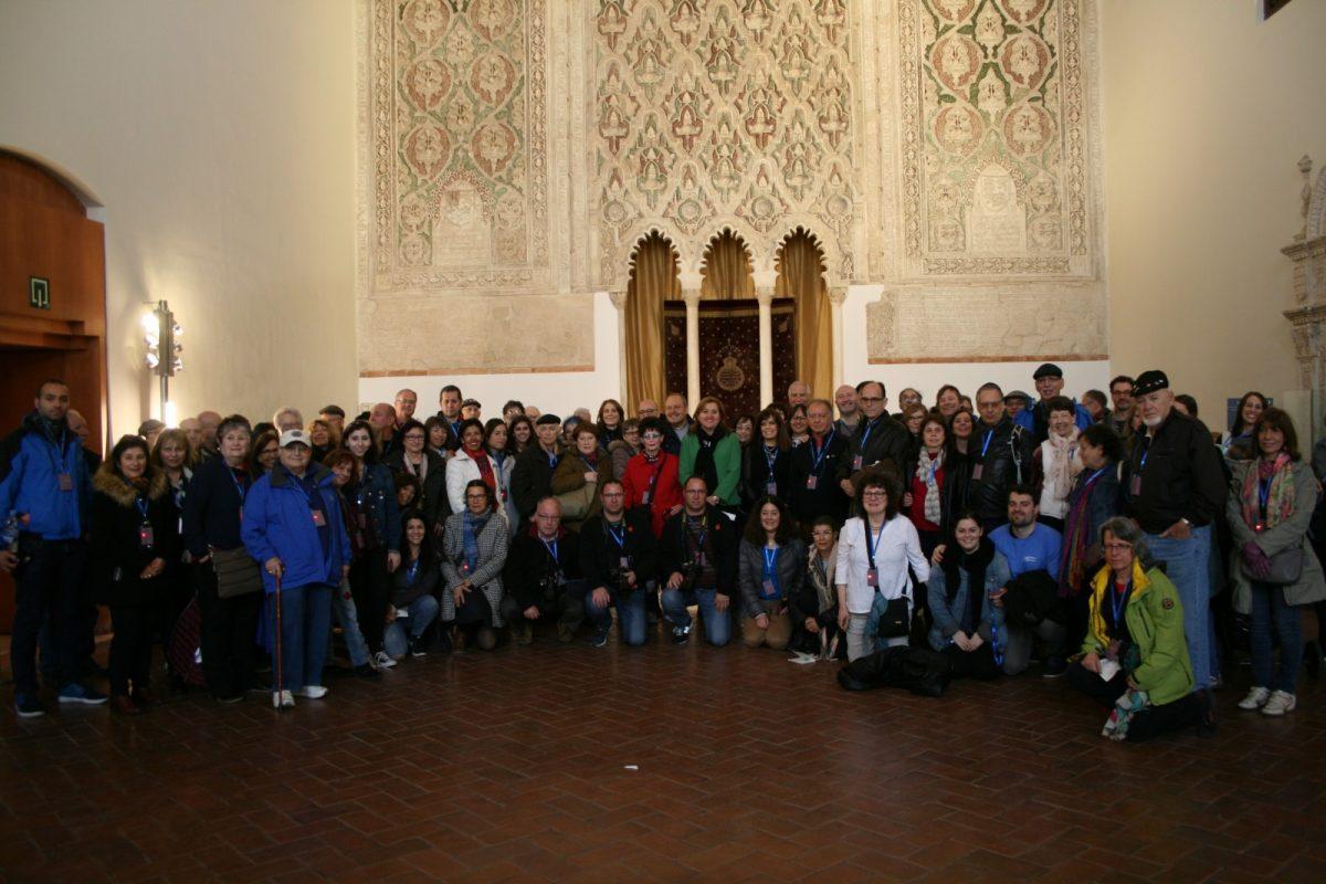 La familia Saltiel visita la ciudad para reencontrarse con su pasado y recibe la bienvenida del Ayuntamiento en el Museo Sefardí