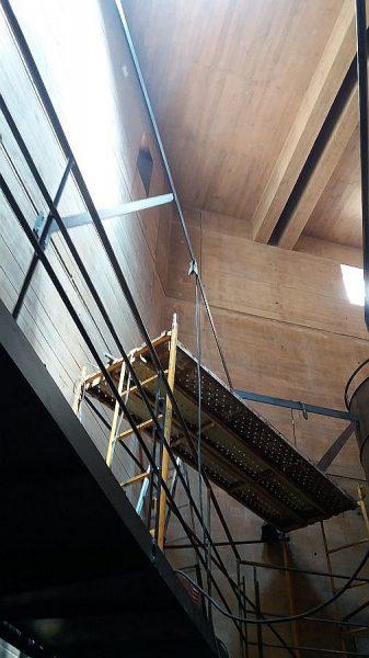 028 14-09-2017 Construcción de la pasarela lateral de la planta segunda
