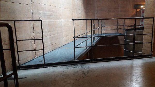 032 18-09-2017 Construcción de la pasarela lateral de la planta segunda