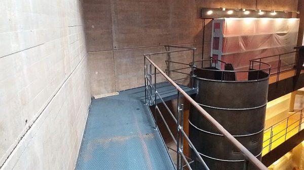 034 18-09-2017 Construcción de la pasarela lateral de la planta segunda