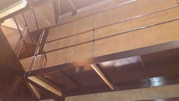 048 13-11-2017 Colocación de planchas de madera bajo las pasarelas