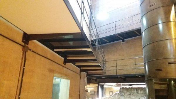 049 13-11-2017 Colocación de planchas de madera bajo las pasarelas