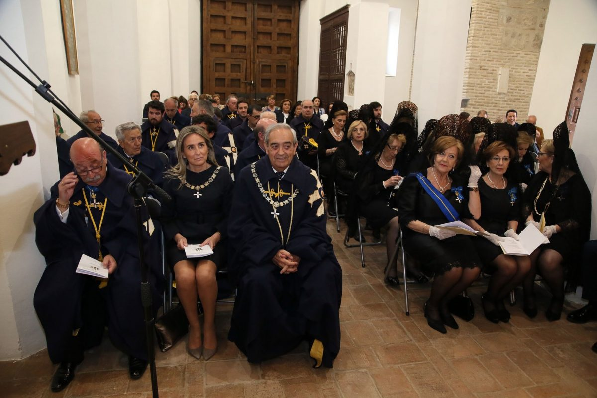 La alcaldesa comparte con la Hermandad de Caballeros y Damas Mozárabes su tradicional ceremonia anual previa al Corpus