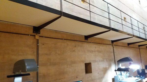 052 14-11-2017 Colocación de planchas de madera bajo las pasarelas