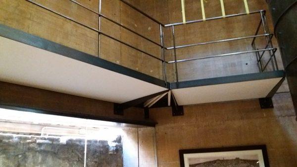 056 15-11-2017 Colocación de planchas de madera bajo las pasarelas