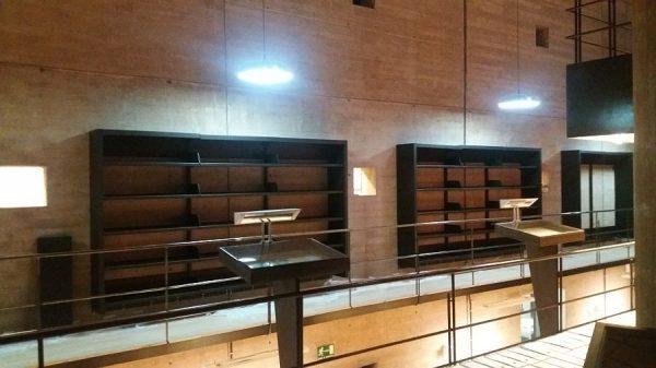 107 08-02-2018 Instalación de la estantería central de la planta primera