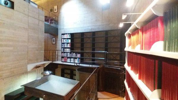 113 13-02-2018 Traslado de los primeros libros a las nuevas estanterías