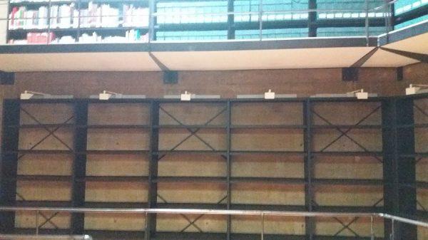 115 12-04-2018 Mejora de la iluminación de las estanterías laterales