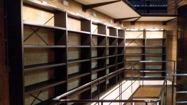 117 12-04-2018 Mejora de la iluminación de las estanterías laterales
