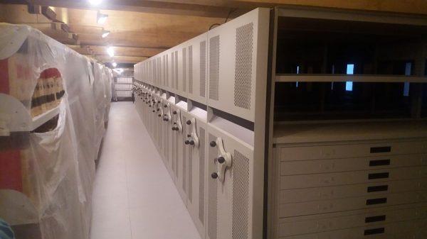 136 18-04-2018 Instalación de las estanterías móviles en la planta tercera