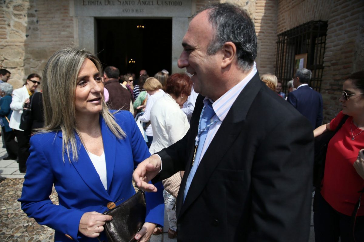 http://www.toledo.es/wp-content/uploads/2018/05/9decf996-8214-472d-bce1-e703a9743324-1200x800.jpeg. La alcaldesa encabeza la representación de la Corporación Municipal en la romería del Santo Ángel Custodio