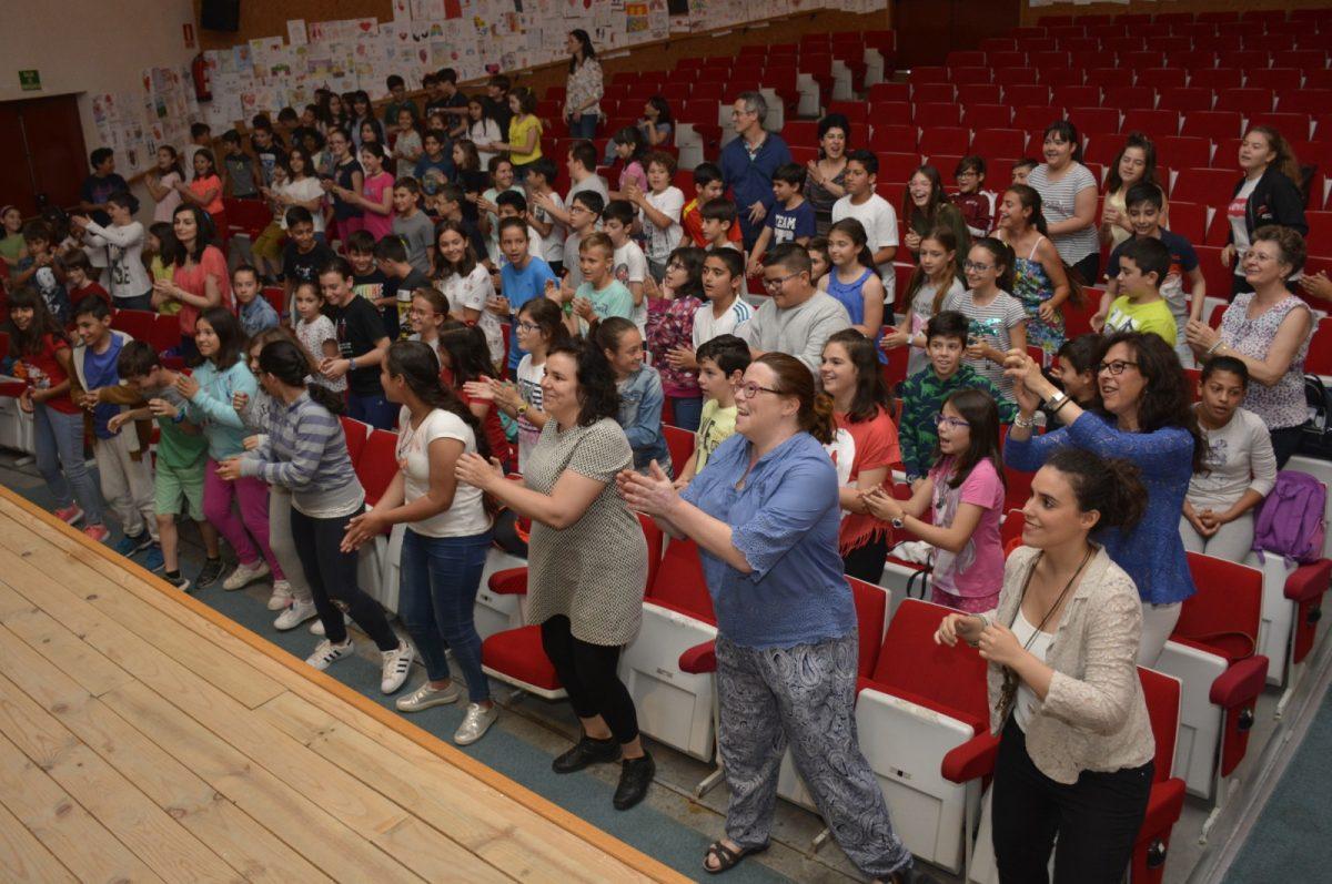 http://www.toledo.es/wp-content/uploads/2018/05/clausura-talleres-igualdad-01-1200x797.jpg. Unos 3.500 alumnos de centros educativos de la ciudad participan en los Talleres de Igualdad del programa 'Toledo Educa'