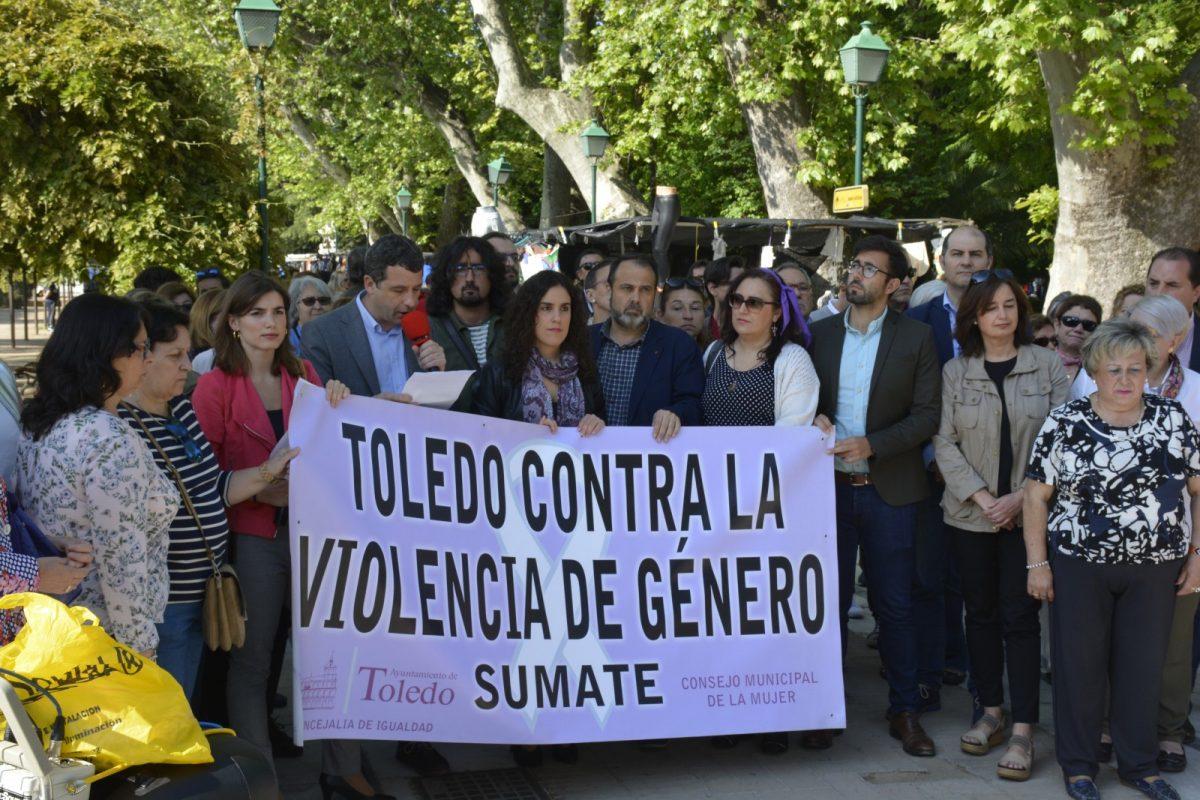 https://www.toledo.es/wp-content/uploads/2018/05/concentracion-vega-01-1200x800.jpg. El Consejo Local de la Mujer apuesta por una educación y cultura más inclusivas para que la sociedad inmovilice al maltratador