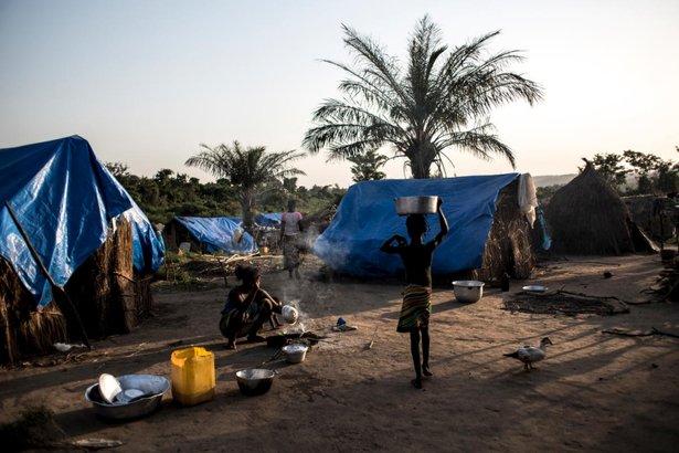 https://www.toledo.es/wp-content/uploads/2018/05/csm_05.2018.18_rca_075a1e0aa8.jpg. Miles de centroafricanos huyen de la violencia hasta una remota zona del norte del Congo