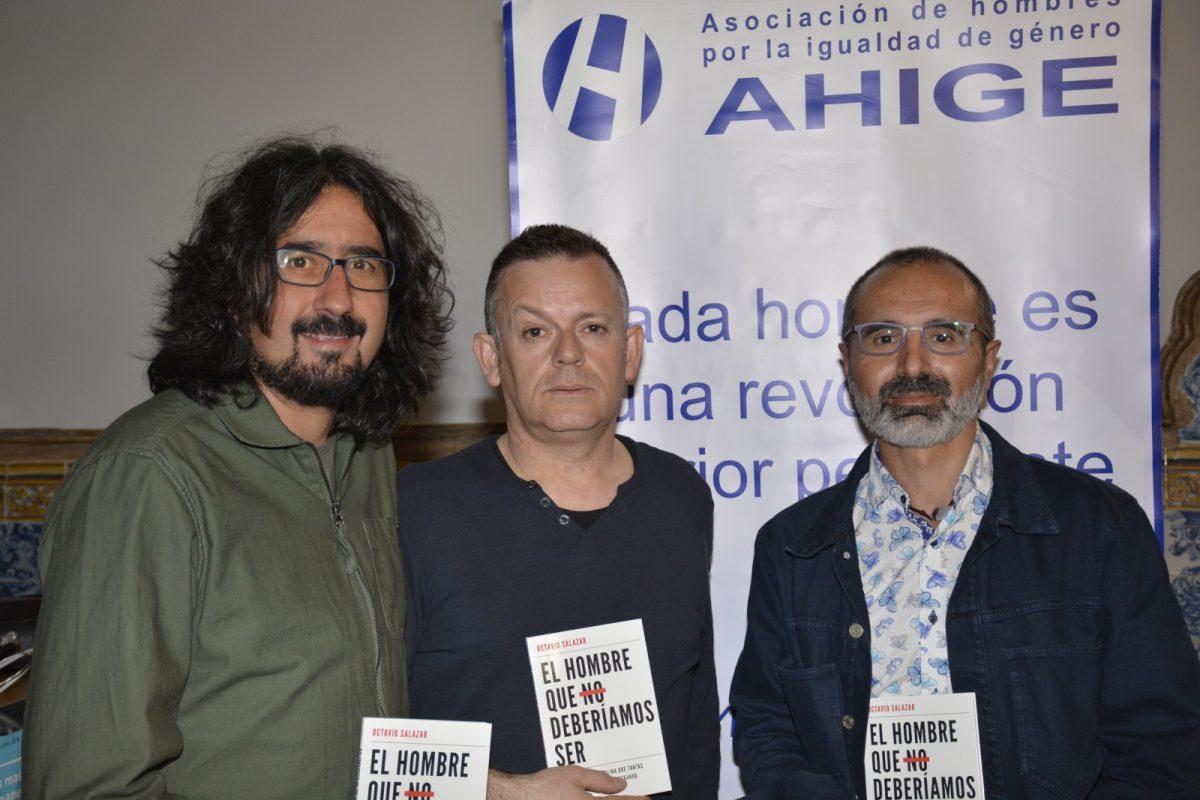 http://www.toledo.es/wp-content/uploads/2018/05/dsc3771-1200x800.jpg. El programa juvenil Entrelunas ofrece una conferencia a cargo de Octavio Salazar, autor del libro 'El hombre que no deberíamos ser'