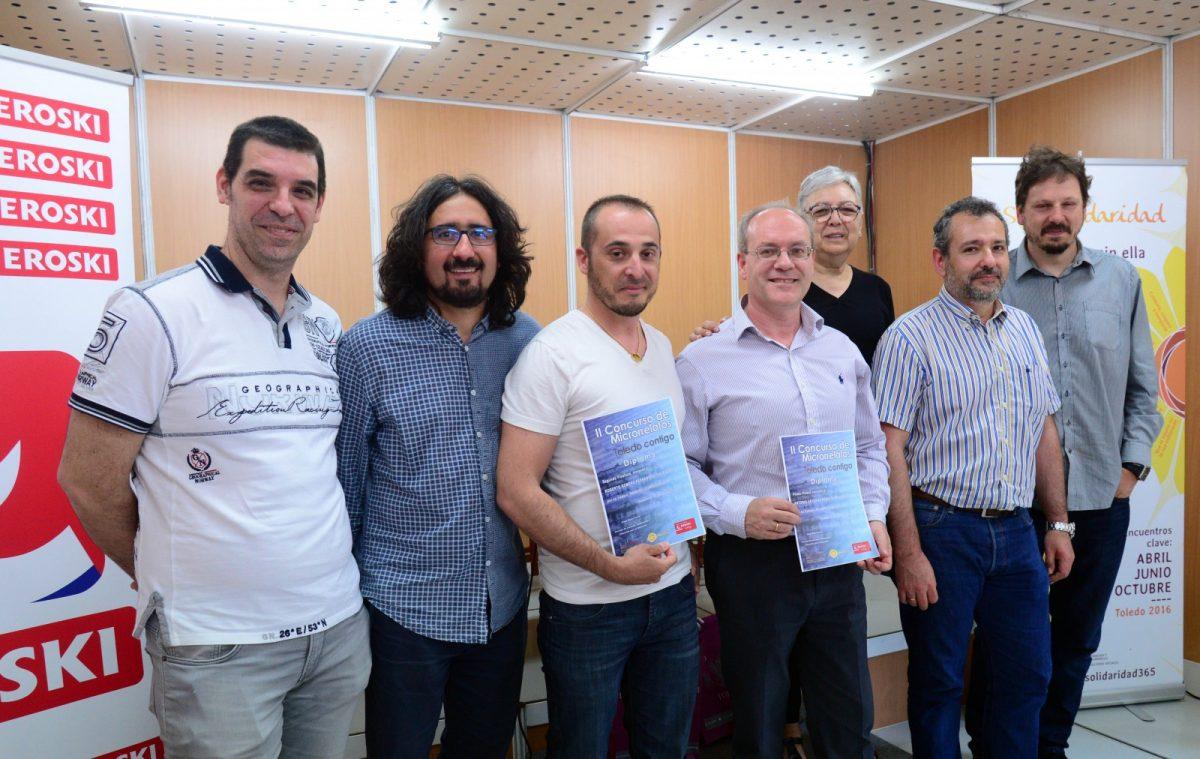 https://www.toledo.es/wp-content/uploads/2018/05/foto-familia-premios-1200x759.jpg. 'Palabras Sueltas' de Antonio Arteaga, ganador del II Concurso de Microrrelatos 'Toledo Contigo' del Ayuntamiento y Eroski