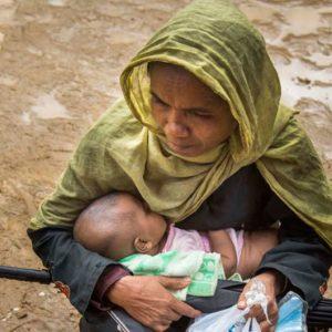 os campos de Bangladesh ven nacer a 60 rohinyás al día