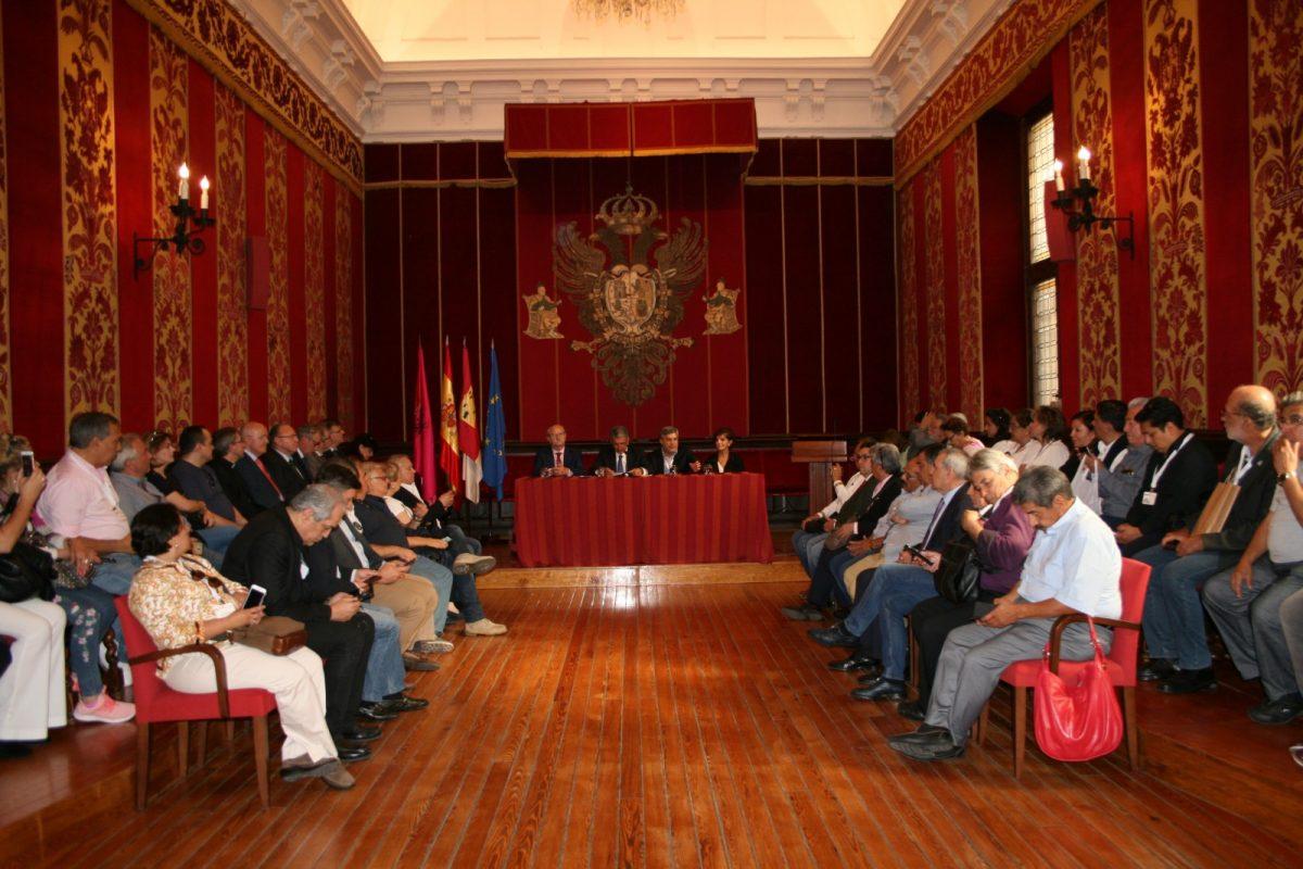 https://www.toledo.es/wp-content/uploads/2018/05/img_0383-1200x800.jpg. El Ayuntamiento recibe a los participantes del XI Encuentro del Foro Iberoamericano de Entidades Médicas (FIEM)