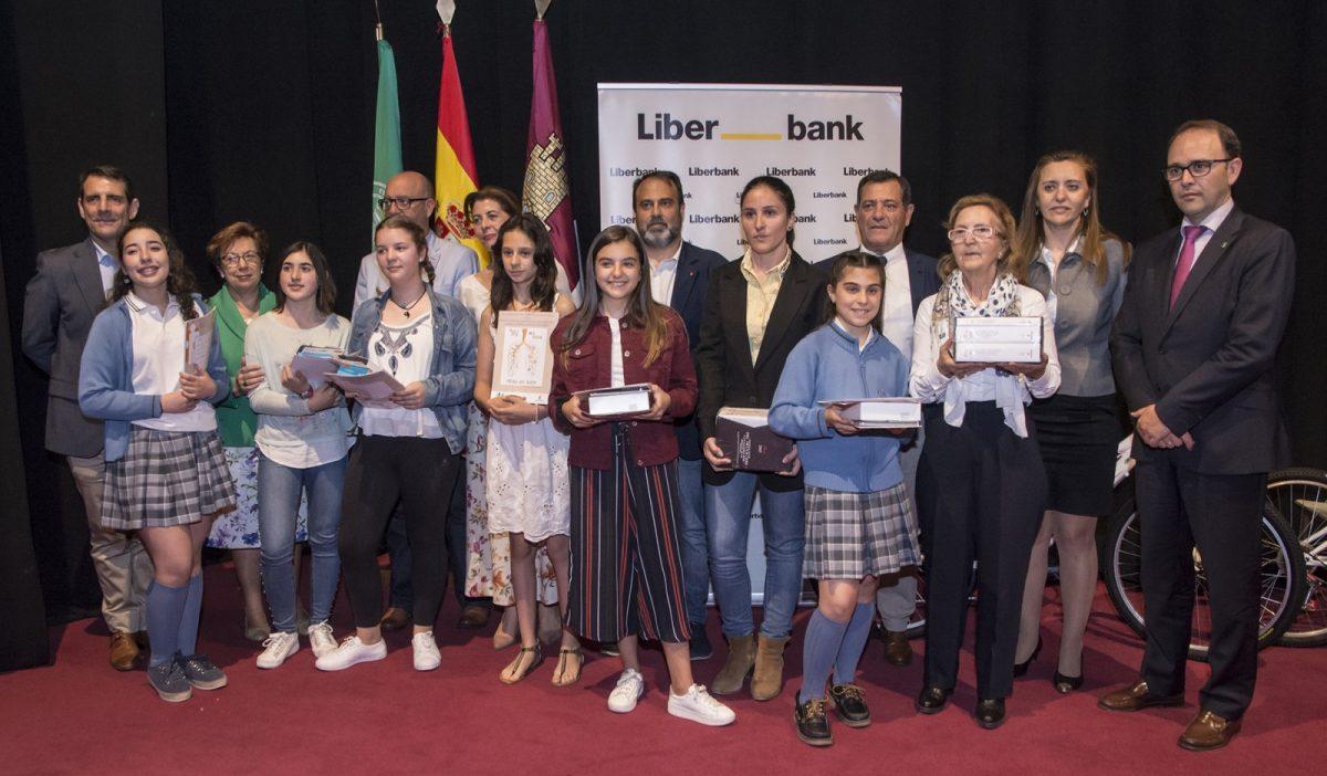 http://www.toledo.es/wp-content/uploads/2018/05/jp24556-1200x702.jpg. El Ayuntamiento participa en la entrega de premios del Concurso de Dibujo y Narrativa sobre la Donación de Órganos y Tejidos